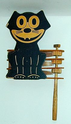 Felix the Cat Flat Cardboard Wood Ratchet Toy Noisemaker Halloween Germany 1920s