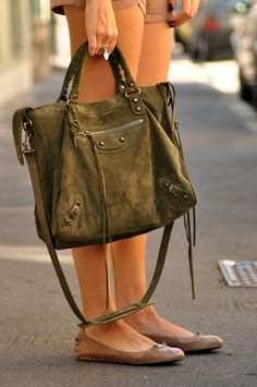 Balenciaga Bag- natural pretty