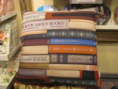 Books & Pillows... Bibliophile, Amp, Letters, Pillows, Cover, Books, Home Decor, Livros, Homemade Home Decor