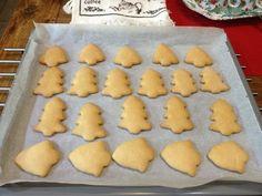 Χριστουγεννιάτικα μπισκοτάκια βουτύρου Biscuits, Cookies, Cake, Desserts, Food, Crack Crackers, Crack Crackers, Pie, Postres