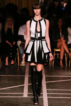 Givenchy Spring 2015 Ready-to-Wear Fashion Show - Shelby Furber (Premium)