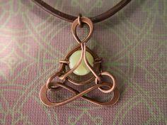 Yoga namaste pequeño yogui Jade meditación por lemuriandiamond
