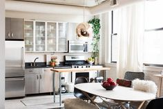 If you have an abundance of stainless steel appliances in your home, you know that it can get streaky, cloudy, and fingerprint-y very easily.