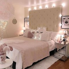 49 Gorgeous Small Bedroom Design Ideas Bedroom Ideas For Small Rooms Bedroom Design gorgeous Ideas Small Pink Bedroom Design, Pink Bedroom Decor, Pink Bedrooms, Small Bedroom Designs, Cozy Bedroom, Modern Bedroom, Bedroom Inspo, Bedroom Romantic, Master Bedroom