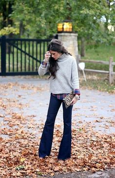 135 Non-Boring Work Outfits To Wear This Fall - Flare Jeans for women - Ideas of Flare Jeans for women - this is a great outfit would love to have the sweater changed to a V-neck and a more rich color Work Fashion, Street Fashion, Fashion Outfits, Womens Fashion, Fashion Trends, Fashion Ideas, Catwalk Fashion, Fashion Fashion, Fashion Jewelry