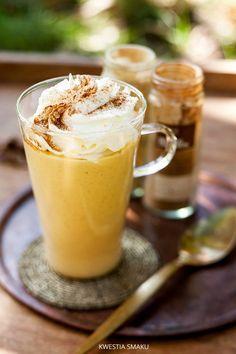 Pumpkin Spice Smoothie | Kwestia Smaku Smoothie Drinks, Smoothie Recipes, Smoothies, Pumpkin Smoothie, Paleo Treats, Chocolate Coffee, Vegan Desserts, Pumpkin Spice, Sweet Tooth