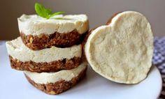 Vyzkoušejte tento úžasný bezlepkový dezert od foodblogerky! Chutná báječně... tescorecepty.cz - čerstvá inspirace. Quinoa, Protein, Cheesecake, Low Carb, Pie, Desserts, Recipes, Food, Torte