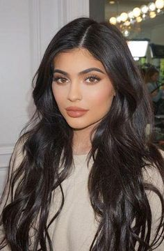 33 ideas makeup lips kylie jenner hair for 2019 Kylie Jenner Face, Kylie Jenner Makeup Look, Mode Kylie Jenner, Looks Kylie Jenner, Kylie Jenner Short Hair, Kylie Jenner Hairstyles, Kylie Jenner Lipstick, Wig Hairstyles, Straight Hairstyles