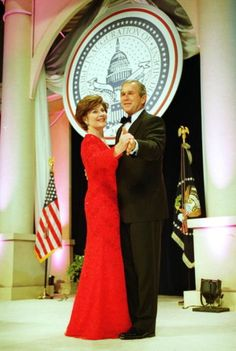 Presidnet Bush and First Lady Laura Bush Attend Inaugural Balls Presidential Inauguration, Presidential History, Presidents Wives, American Presidents, American History, Laura Bush, Vintage Gowns, Celebs, Celebrities