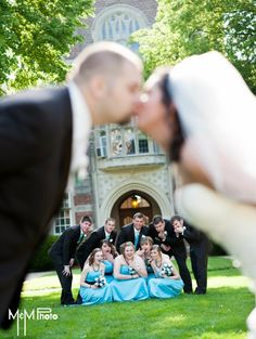 this would also be cute to have the bride & groom in focus and the bridal party out of focus