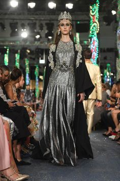 A Review of the Dolce   Gabbana Runway Show in Dubai - Savoir Flair Italian  Luxury 287e2f3c2b495