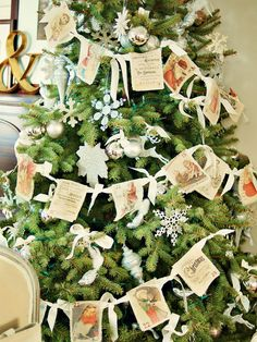 How to Make a Vintage Garland Advent Calendar:   Linen, ribbon and vintage printables come together in this advent calendar, which is sure to become a family tradition.   By Marian Parsons, Mustard Seed Interiors [click photo for instructions]