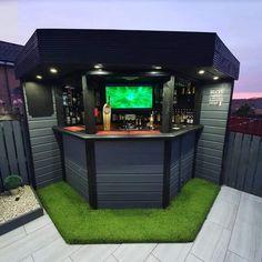 Outdoor Garden Bar, Garden Bar Shed, Diy Outdoor Bar, Backyard Bar, Backyard Patio Designs, Outdoor Bar And Grill, Diy Home Bar, Bars For Home, Back Garden Design