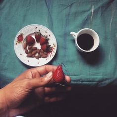 #breakfast#coffee#strawberry#almond#cafe#healthy#diet#gains#health#meal#preworkout#energy#growth#goodday#delicious#eatclean#getfit#nutrition#fitnessjourney#goals#gymlife#training#lift#passion#lifestlye#healtyfood#yummy#natural#fruits#lowcarb by impact_youcef