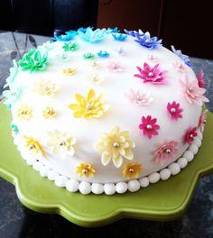 fondant cake! Creation Loulou!