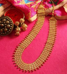 Cash for Gold in South EX; Contact team Cash for Gold to sell gold online in South EX for nstant cash. We buy silver, Gold, and Diamond. Get home pick-up service in South EX Delhi to sell gold in South Extension Radius Gold Bangles Design, Gold Jewellery Design, Antique Jewellery, Handmade Jewellery, Silver Jewellery, Jewellery Earrings, Temple Jewellery, Jewellery Box, Silver Rings
