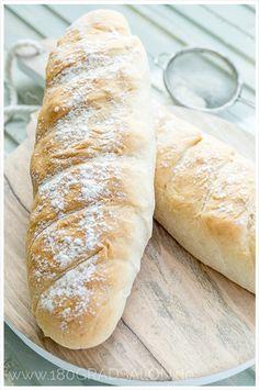Schnelles Rezept für ein frisches Baguette