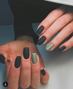Nails Matte nails Nail designs Minimalist nails Gel nails Autumn nails - The Leaves are changing color and things are getting all cozy and check out these easy fall nail designs for short nails! Natural Acrylic Nails, Best Acrylic Nails, Matte Nails, My Nails, Manicure For Short Nails, Matte Green Nails, Nail Design For Short Nails, Short Natural Nails, Black Gel Nails