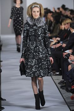 Oscar de la Renta - Fun coat! Can do without the neck thing.