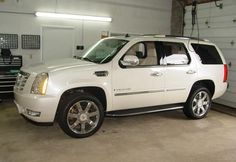 Crutchfield's 2007-14 Cadillac Escalade car audio profile lets you know what gear fits. #CarAudio