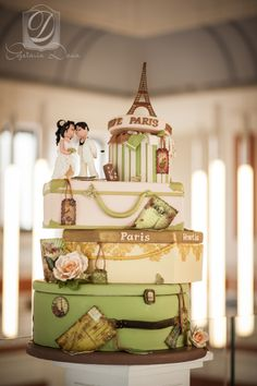 Travel wedding cake - Cofetaria Dana https://www.facebook.com/cofetariadanaturda  http://cofetariadana.ro/