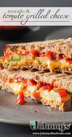 Lunch can be delicious and simple with this scrumptious sandwich. Grilled Cheese Avocado, Piece Of Bread, Cooking For One, Wrap Sandwiches, Quick Meals, Burgers, Grilling, Tacos, Wraps