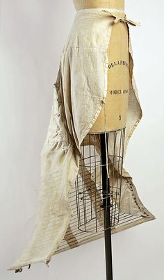 1870-89 ... Bustle Cage ... Cotton & wire ... at The Metropolitan Museum of Art ... photo 1