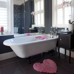 Bathroom | Step inside a bold and striking period home in Hertfordshire | House tour | PHOTO GALLERY | 25 Beautiful Homes | Housetohome.co.uk