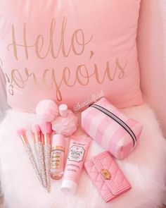 Pink Love, Cute Pink, Pretty In Pink, Pink And Gold, Pink Wallpaper Girly, Chanel Decor, Baby Pink Aesthetic, I Believe In Pink, Everything Pink