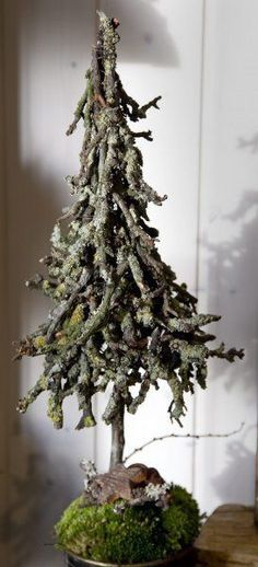 Artificial fir tree as Christmas decoration? A synthetic Christmas Tree or a real one? Lovers of artificial Christmas decorations , such as for example Christmas tree or artificial Advent wreath know Natural Christmas, Rustic Christmas, Simple Christmas, All Things Christmas, Winter Christmas, Christmas Home, Christmas Wreaths, Christmas Ornaments, Advent Wreaths