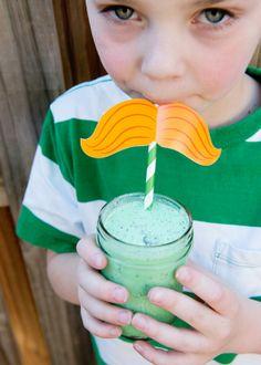 shamrock shakes/ the creative mama/ yummy mint and oreo milkshakes perfect for St. Patrick's Day (Bree)