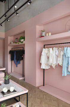 Clothing Store Interior, Clothing Store Displays, Clothing Store Design, Showroom Interior Design, Boutique Interior Design, Boutique Decor, Commercial Interiors, Retail Design, Dressing