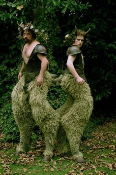 Satyr costume by Wendy Froud, satyrs are William Todd-Jones and Toby Froud GUYS… Satyr Costume, Stilt Costume, Cosplay, Todd Jones, Costume Carnaval, Midsummer Nights Dream, Fantasy Costumes, Halloween Disfraces, Mythical Creatures