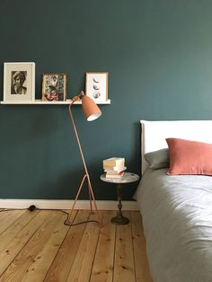 Living in winter: The most beautiful living and decoration ideas from January - Wohnung - Schlafzimmer Vintage Industrial Decor, Vintage Home Decor, Diy Home Decor, Vintage Bedroom Decor, Verde Vintage, Love Vintage, Vintage Green, Vintage Cafe, Vintage Ideas
