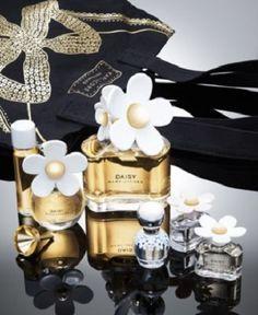 Comece sua coleção de miniaturas de perfumes importados no site mais fofo da perfumaria. Coleção Marc Jacobs com desconto.