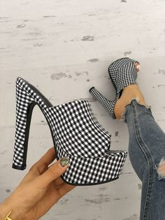 Shop Houndstooth Print Platform Thin Heeled Sandals right now, get great deals at Joyshoetique. Wedge Boots, Shoe Boots, Shoes Heels, High Heels, Heeled Mules, Heeled Sandals, Flat Sandals, Shoe Art, Womens Fashion Online