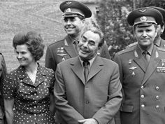 #Brezhnev #Tereshkova Old Pictures, Old Photos, Celebridades Fashion, Back In The Ussr, Communist Propaganda, Russian Federation, Imperial Russia, Soviet Union, Actresses