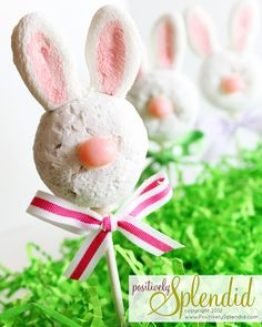 Bunny Donut Pops. Cute and easy! :-)