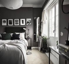Good Morning from the grey bed room with Posters 🛏️ ☀️ #nordicinspiration #nordichome #homeinterior #interior #bedroom #posters #bigwindow #greybedsheet #doublebed #greyinspiration #morningmood #morning #sleep #interior
