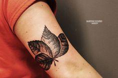 #leaftattoo #leafs #tattoo #dotwork
