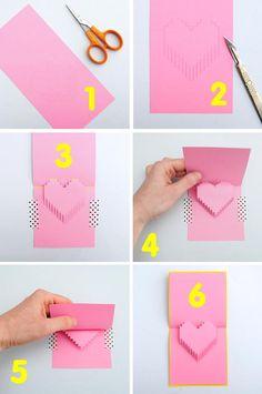 Encontré un modelo muy fácil de tarjetas con troquelado pop up para este Día de los Enamorados o de San Valentin. Es muy sencillo, tiene pla...