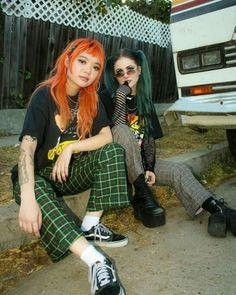 Bild über Mode im Grunge von Bluexkm auf We Heart It - fashion - Punk Grunge Outfits, Edgy Outfits, Grunge Fashion, Look Fashion, 90s Fashion, Fashion Outfits, Womens Fashion, Pop Punk Fashion, Fashion Boots