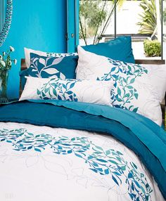 Oceanic by Alamode Girls Bedding Sets, Comforter Sets, Girls Bedroom, Bedroom Ideas, Tropical Bedding, Luxury Homes, Duvet Covers, Comforters, Cushions