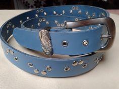 cinturon de cuero turquesa con remaches y hebilla de faylinnatelier por DaWanda.com