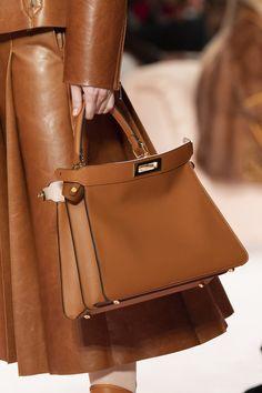 Fendi at Milan Fashion Week Fall 2020 - Details Runway Photos New Handbags, Burberry Handbags, Satchel Handbags, Burberry Bags, Fashion Bags, Runway Fashion, Womens Fashion, Milan Fashion, Fashion Dresses