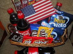Veteran's Day gift basket from Murphy USA support our troops basket Veterans Day Activities, Veterans Day Gifts, Creative Food, Creative Gifts, Veterans Services, Constitution Day, Cheer Camp, Fourth Of July, Gift Baskets