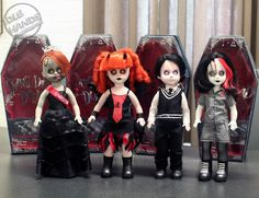 living dead dolls | The Living Dead Dolls Resurrection Set returns. Living Dead Dolls, Petri Dish, Creepy Dolls, Geek Stuff, Punk, Anime, Mall, Goth, Collections