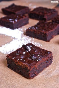 Nyammm: Céklás brownie Vegetarian Recipes, Cooking Recipes, Healthy Recipes, Healthy Deserts, Healthy Baking, Food To Make, Cake Recipes, Sweet Tooth, Food Porn