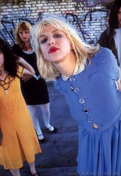Courtney Love... loved that they all wear vintage dresses