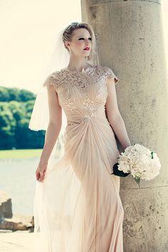 Tadashi Shoji Wedding Dress // Lemon bridesmais dresses // Dottie Photography